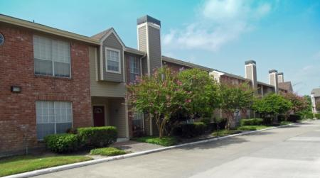 Apartments in Houston For Rent | Walden Pond and the Gables2