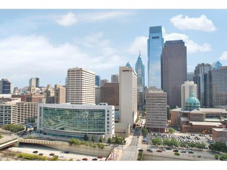 Downtown Philadelphia Apartments | One Franklin Town