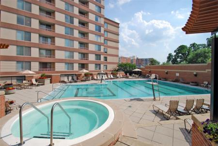 Swimming Pool at Lenox Park2