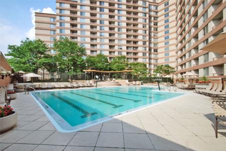 Swimming Pool at Lenox Park3