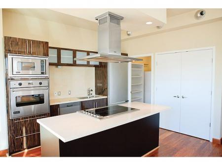 Luxury 1 and 2 bedroom Dallas Apartments | The Element Mercantile Place Apartments