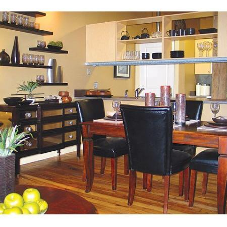 Cumberland Apartments | Dining area at our River Lofts Apartments