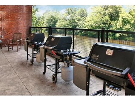 Cumberland RI apartments | Barbecue with friends