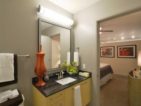 Dallas APartment Rentals | The Continental Mercantile Place Apartments