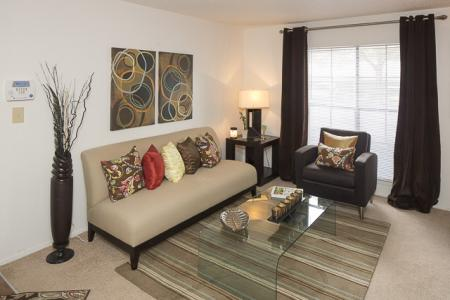 Sitting Room | Landmark at Avery Place Apartment Homes Tampa, FL