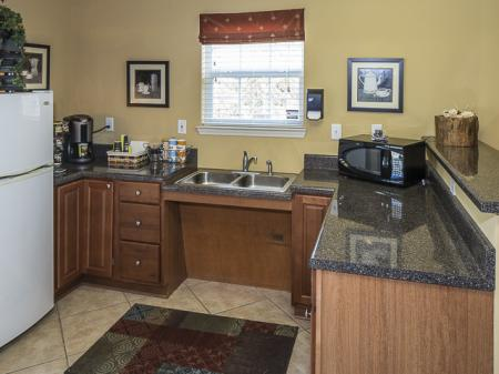Kitchen with Counter Space | Caveness Farms Apartment Homes