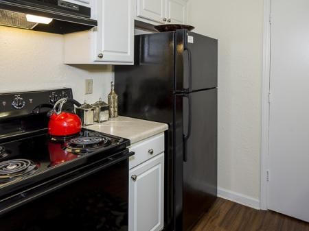 Kitchen | Landmark at Chesterfield Apartment Homes in Pineville, NC