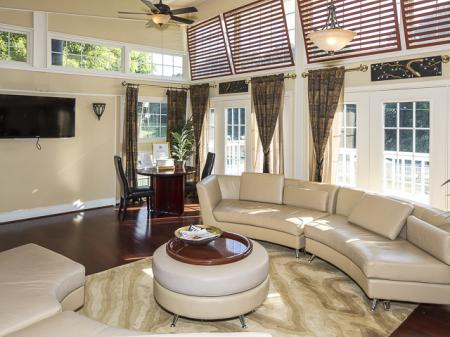 Sitting Area | Grand Arbor Reserve Apartment Homes Raleigh, NC