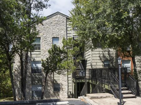 Apartment Building | Landmark at Barton Creek Apartment Homes in Austin, TX