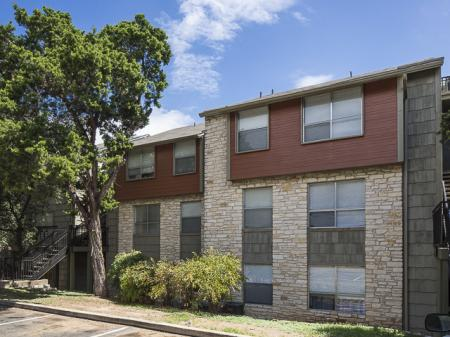 Building | Landmark at Barton Creek Apartment Homes in Austin, TX