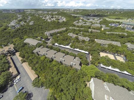 Aerial Image of Landmark at Barton Creek Apartment Homes in Austin, TX