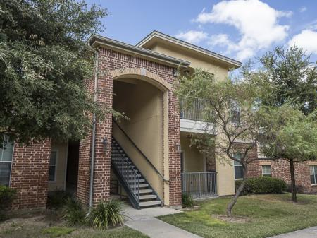Bella Ruscello Apartments Duncanville, TX | Stairway