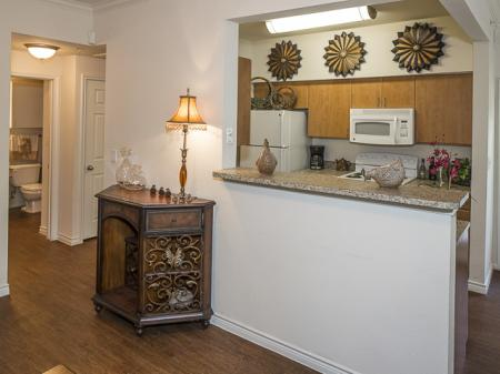 Bella Ruscello Apartments Duncanville | Furnished Kitchen