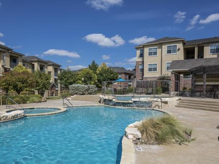 Bella Ruscello Luxury Apartments Duncanville | Outdoor Pool