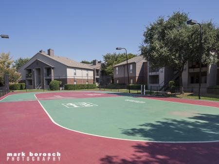 Tennis Court | Landmark at Collin Creek Apartment Homes in Plano, TX