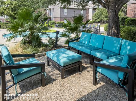 Outdoor Lounge Area | Landmark at Collin Creek Apartment Homes in Plano, TX