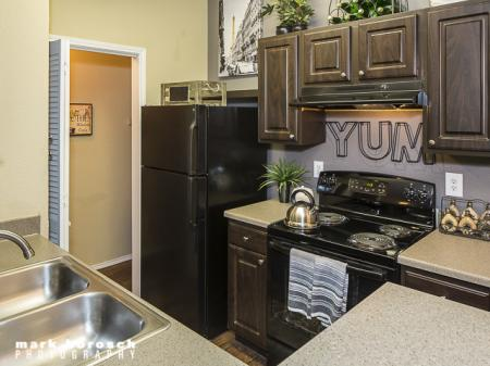 Kitchen | Landmark at Collin Creek Apartment Homes in Plano, TX
