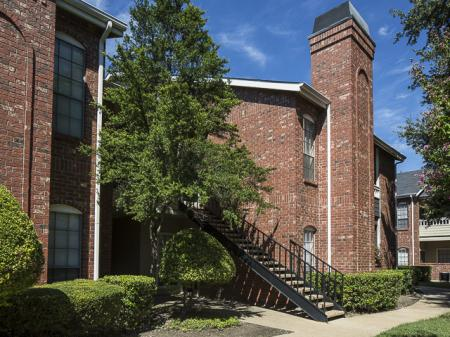 Apartments for Rent in North Dallas, TX | Building Stairs