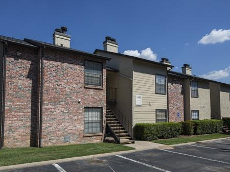 Apartment Exteriors | Kensington Station Apartment Homes in Bedford, TX