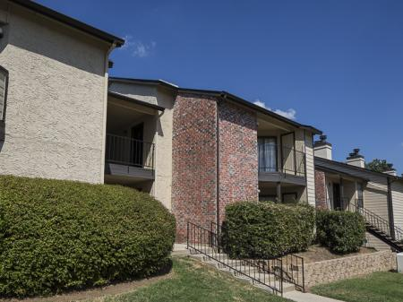 Apartments for Rent at Kensington Station Apartment Homes in Bedford, TX