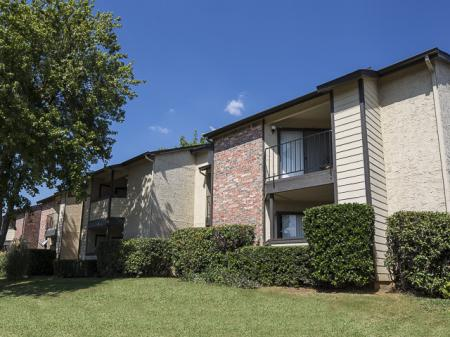 Building | Kensington Station Apartment Homes in Bedford, TX