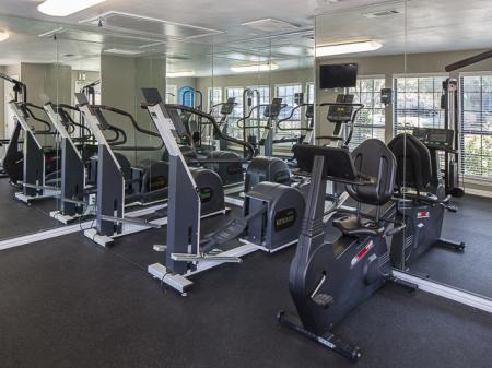 Fitness Center | Kensington Station Apartment Homes in Bedford, TX