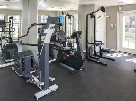 24 Hour Resident Gym | Kensington Station Apartment Homes in Bedford, TX