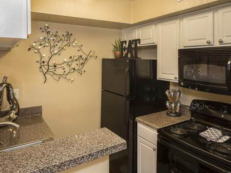 Kitchen | Kensington Station Apartment Homes in Bedford, TX
