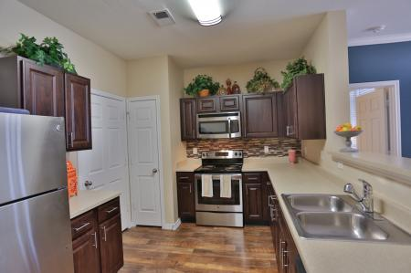 The Manor of Arborwalk   Apartments for Rent in Lee's Summit, Mo   Kitchen