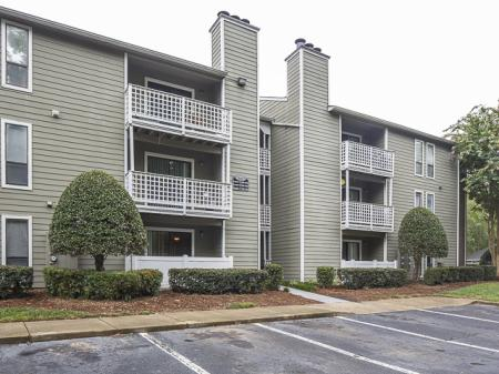 Apartment Building | Landmark at Chesterfield Apartment Homes in Pineville, NC