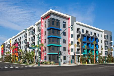 the-george-exteriors-anaheim-apartments