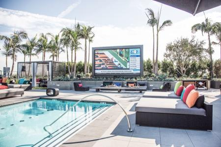 the-george-apartments-luxury-led-screen