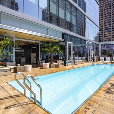 rooftop pool, apartment amenities, chicago luxury apartments