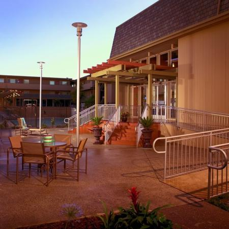 Resident Sun Deck   University Court