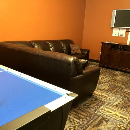Resident Game Room | University Court