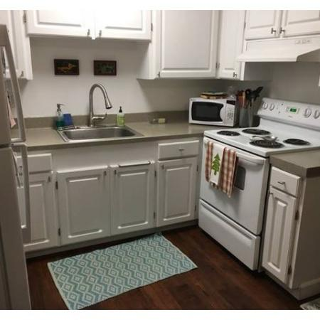 Sizable Kitchen with dishwasher