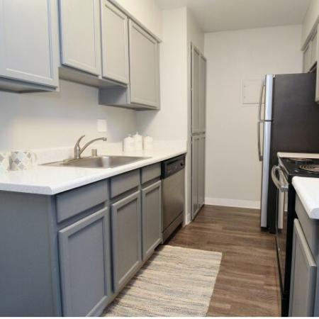 Modern Kitchen   Apartments In Sacramento   The Confluence