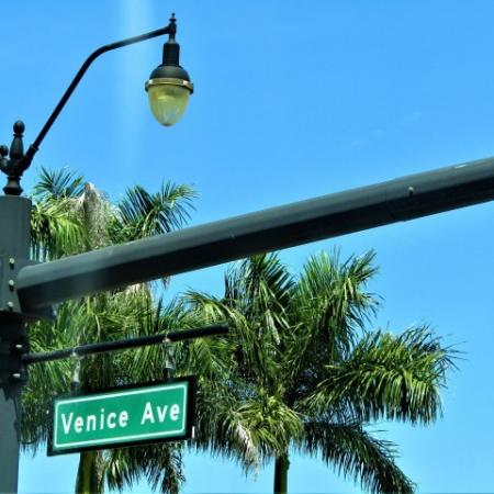 Clubside Apartment Homes, exterior, Venice Ave street sign, trees, street lamp