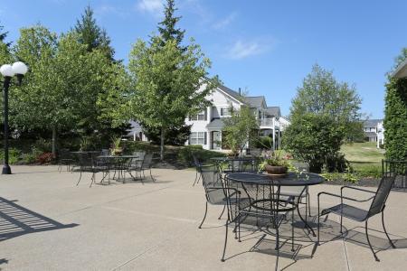 Lounge Area | Autumn Creek Apartments