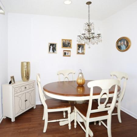 Dining Area at Williamsville NY Apartment Homes | StoneGate Apartment Homes