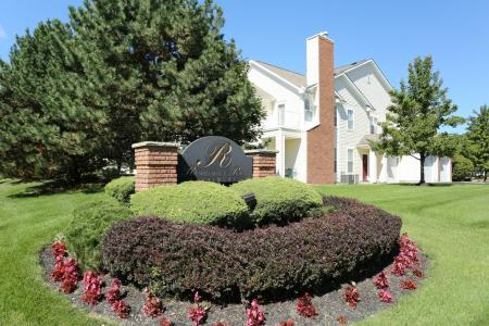 Apartments for rent in Williamsville NY | Lovely Landscaping