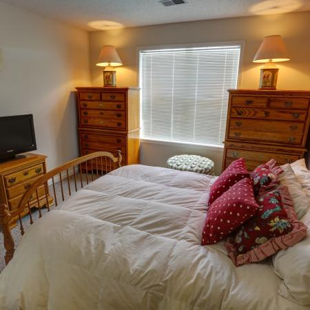 Sizable Bedrooms at Williamsville NY | StoneGate Apartment Homes