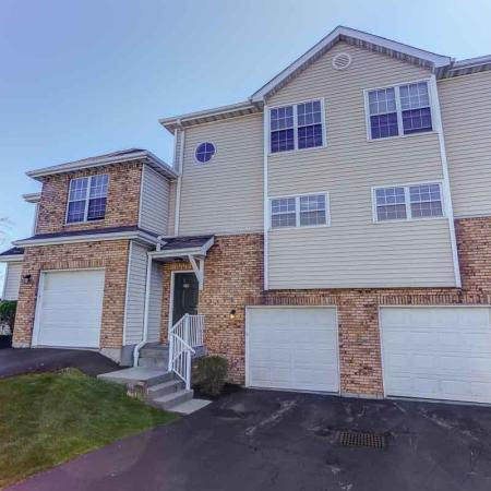 Williamsville NY apartments | Garages 1