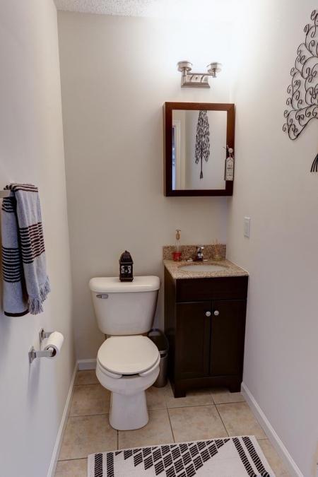 Ornate Bathroom | Luxury Apartments Buffalo | Autumn Creek Apartments