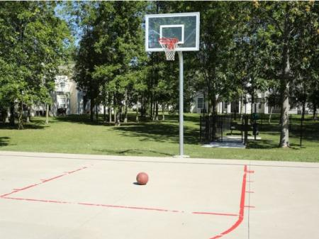 Williamsville NY apartments | sport court