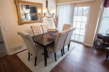 Elegant Dining Room | Apartments For Rent Williamsville Ny | Renaissance Place Apartments