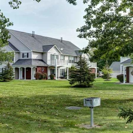 Apartment Homes in East Amherst | Autumn Creek Apartments