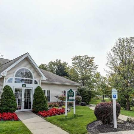 Apartments in Williamsville NY | Windsong Place Apartments