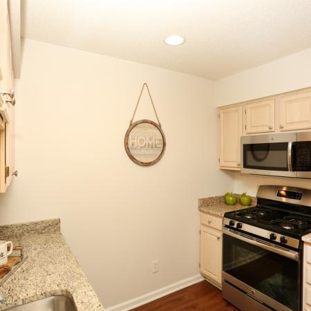Spacious Kitchen | Williamsville Apartments | StoneGate Apartment Homes