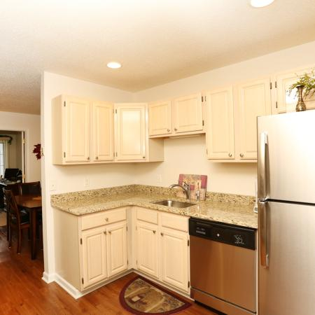 Elegant Kitchen | Apartments in Williamsville | StoneGate Apartment Homes